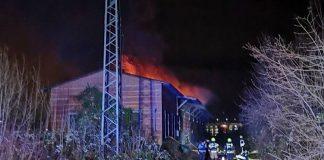 Eine Güterhalle brannte (Foto: Polizei RLP)