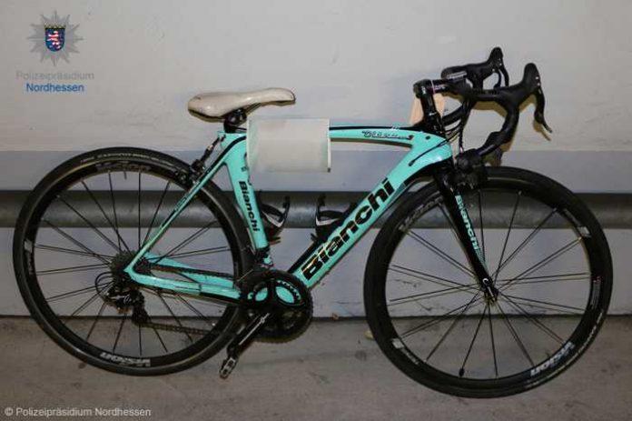 Eigentümer gesucht - Dezember 2019 in Kassel sichergestelltes Rennrad von Bianchi