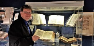 Michael Landgraf im Bibelhaus (Foto: Religionspädagogisches Zentrum)