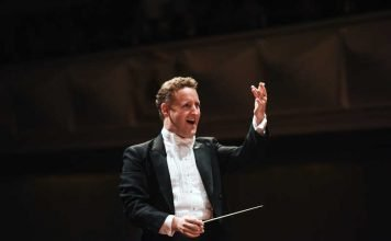 Dirigent Michael Francis © Christian Kleiner