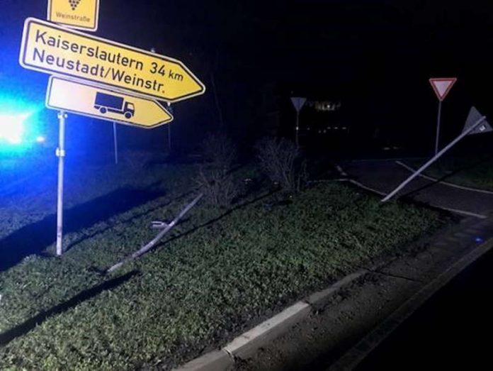 Die Unfallörtlichkeit (Foto: Polizei RLP)