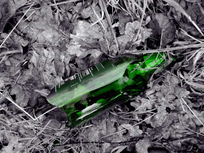 Symbolbild, Flasche, gruen, zerbrochen, zerschlagen, Waffe (pxhere)