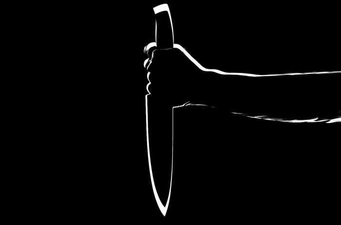 Symbolbild Messerstich Messer