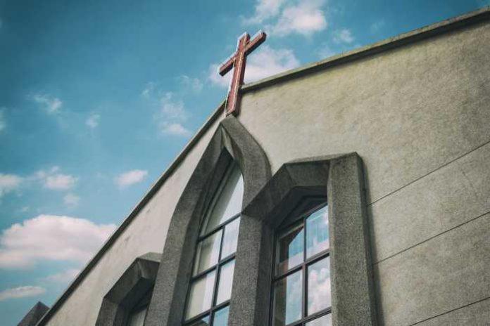 Symbolbild, Religion, Kirche, Kreuz, modern (pxhere)
