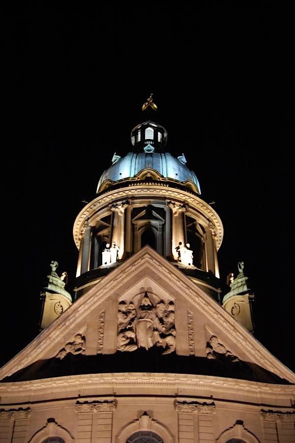 Christuskirche bei Nacht (Foto: Bezirkskantorat Mannheim)