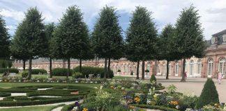 Der Barockgarten von Schloss Schwetzingen ist nach französischem Vorbild geometrisch-symmetrisch angelegt. (Foto: Staatsanzeiger für Baden-Württemberg GmbH & Co. KG, Petra Schaffrodt)