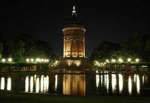 Symbolbild, Stadt, MA, Wasserturm, Nachts, Beleuchtung (pxhere)