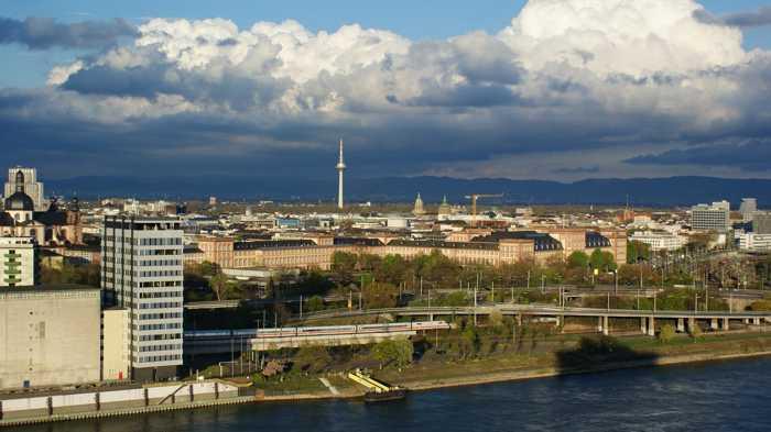 Symbolbild, Stadt, Mannheim, Innenstadt, Von Oben, Panorama, Rhein (pxhere)