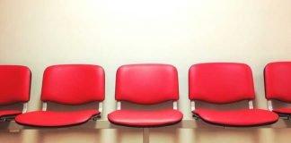 Symbolbild, Wartezimmer, Stühle, Notaufnahme, Praxis, Amt (pxhere)