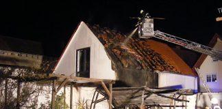 Garagenbrand in der Gillergasse (Foto: Feuerwehr Haßloch)