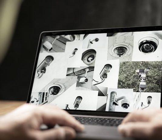Beim Surfen im Internet sammeln Unternehmen nicht nur Daten über besuchte Webseiten, sondern auch über den Zeitpunkt des Abrufes oder Ortsinformationen. (Bild: Amadeus Bramsiepe , Markus Breig, KIT)