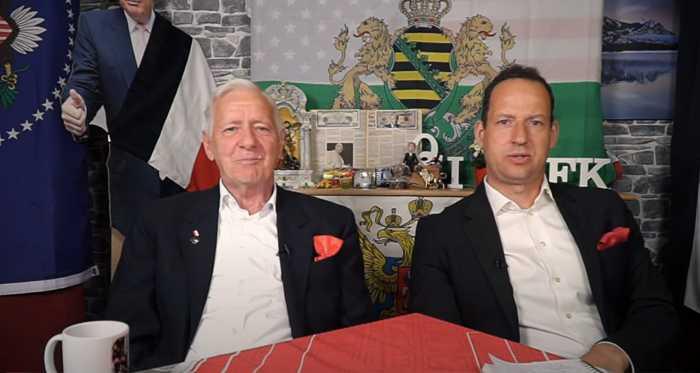 Tageskorrektur mit H.J. Müller und Daniel - In passender Kleidung