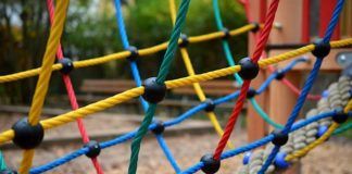 Symbolbild Spielplatz (Foto: Pixabay/congerdesign)