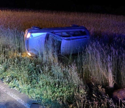 Fahrer und Beifahrerin wurden verletzt (Foto: Polizei RLP)
