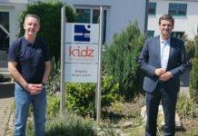 Harald Stark, Geschäftsführer der Bernd-Jung-Stiftung und der KiDZ-Jugendhilfe gGmbH mit Christian Baldauf (Foto: Bernd-Jung-Stiftung)