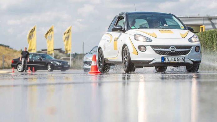 Fahrsicherheitstraining beim ADAC Nordbaden (Foto: Andrea Fabry)