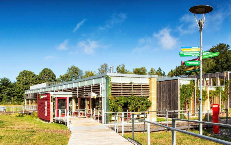Eingangsbereich HdN vom Steg aus Eingangsbereich HdN vom Steg aus (Foto: Harald Kröher)