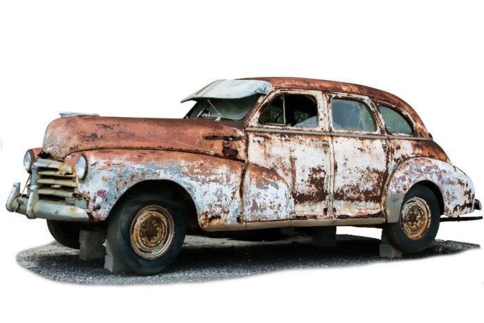 Das Foto zeigt nicht das Auto im Bericht --> Symbolbild (Foto: Pixabay/Hans Benn)