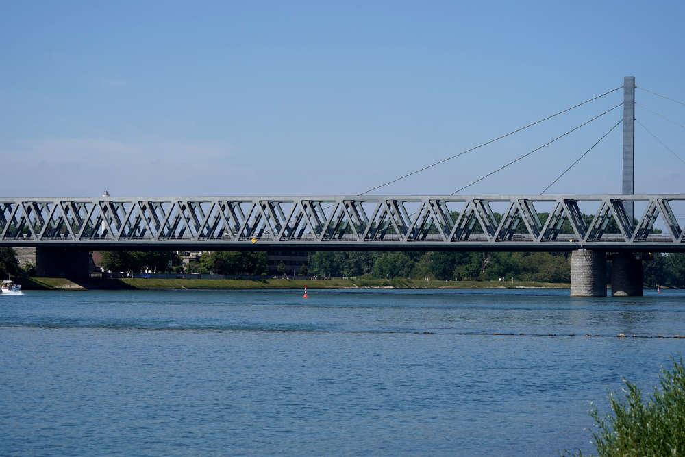 Rheinbrücke Karlsruhe-Maxau (Foto: Holger Knecht)