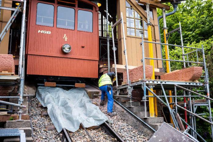 Sandstein-Arbeiten an der Station Königstuhl (Foto: Tobias Dittmer)