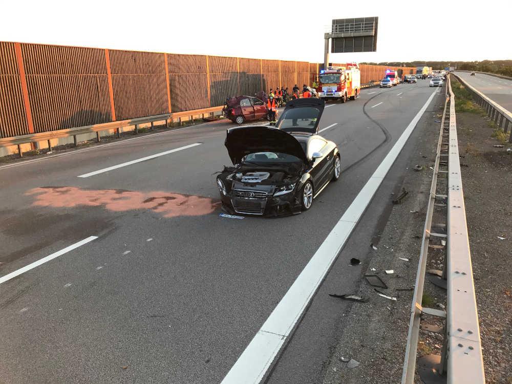 Verkehrsunfallstelle BAB 6, AS MA-Sandhofen (Foto: Polizei RLP)