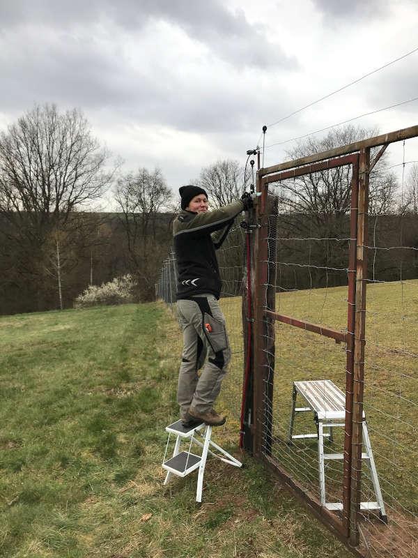 Elektrifizierter Zaun am Wildgehege bei Heltersberg © SNU RLP