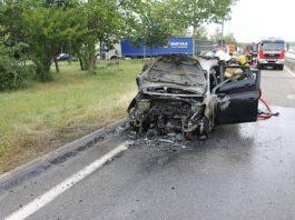 Der PKW brannte aus (Foto: Polizei RLP)