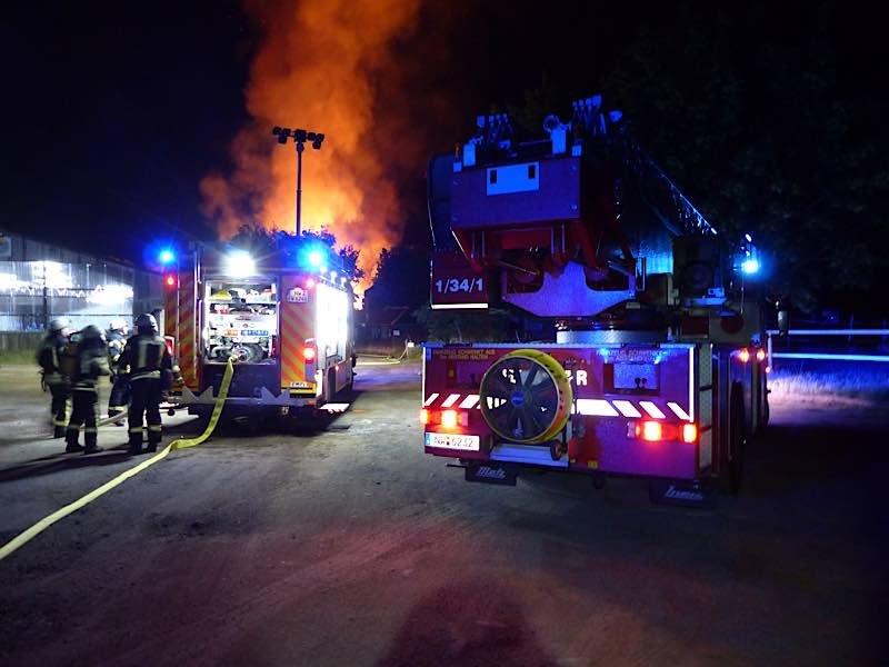 Feuerwehrfahrzeuge (Foto: Feuerwehr Neustadt)