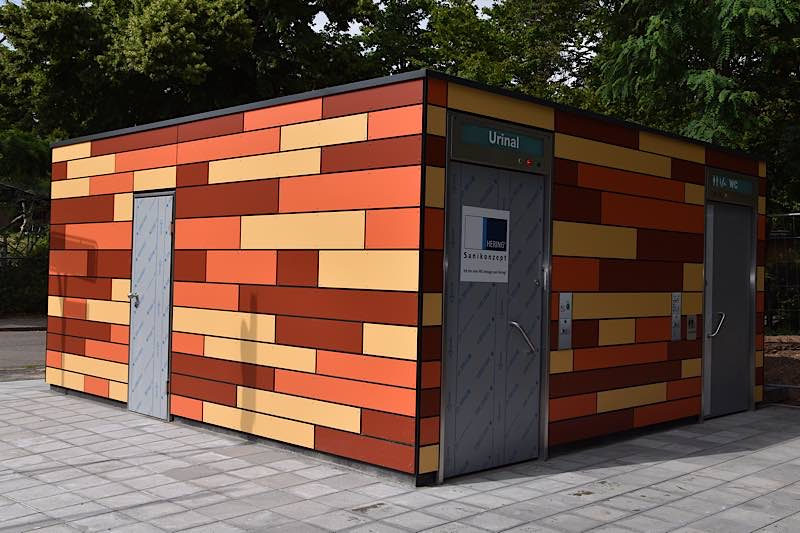 Die neue öffentliche Toilettenanlage am Alten Meßplatz in Landau kann ab Samstag, 20. Juni, genutzt werden. (Quelle: Stadt Landau in der Pfalz)