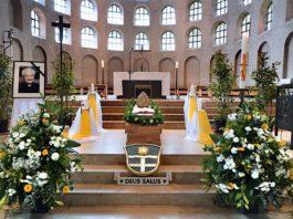 Bischof em. Dr. Anton Schlembach wurde zum Abschied in der Friedenskirche St. Bernhard in Speyer aufgebahrt (Foto: Klaus Landry)