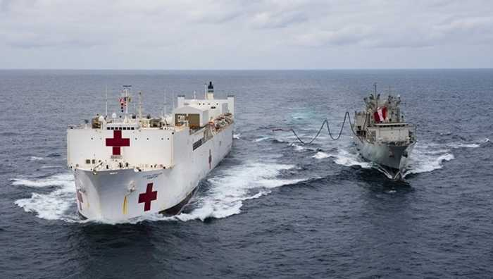 Die USNS Comfort in einem Einsatz im Juli 2014 vor Peru - (U.S. Navy photo by Mass Communication Specialist 2nd Class Morgan K. Nall)