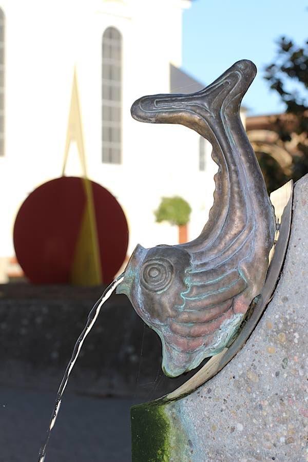 """Brunnen am Rathausplatz (""""Speiender Fisch"""") (Foto: Pressestelle Stadt Frankenthal)"""