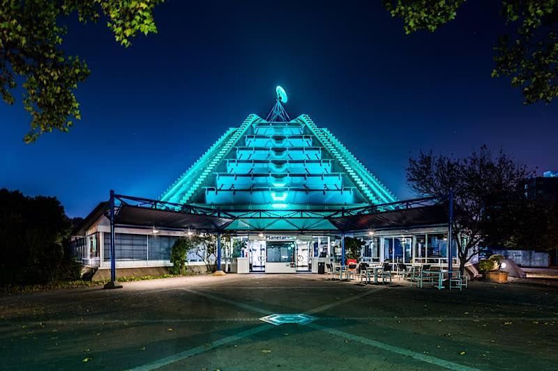 Planetarium Mannheim bei Nacht (Foto: Christian Gaier)