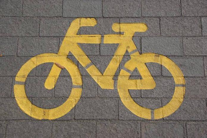 Symbolbild Radweg (Foto: Pixabay/einszweifrei)