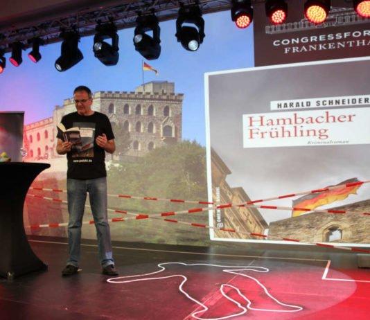 """Live-Lesung mit Harald Schneider aus """"Hambacher Frühling"""" (Foto: Congressforum Frankenthal)"""