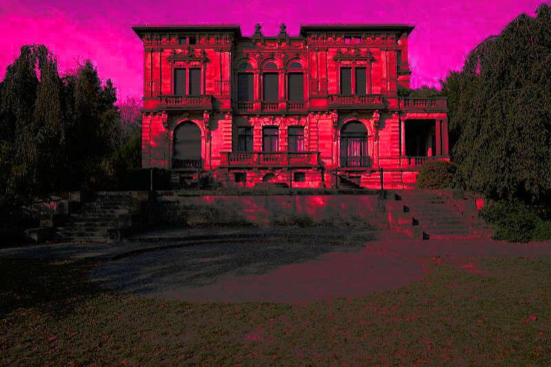 Villa Böhm in rot (Foto: Holger Knecht)