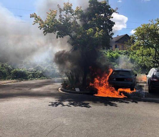 Brennender PKW (Foto: Polizei RLP)