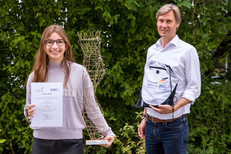 Cosima Dorn und Mark Erik Bouman (Ingenieurkammer Hessen) (Foto: Ingenieurkammer Hessen/Torsten Reitz)
