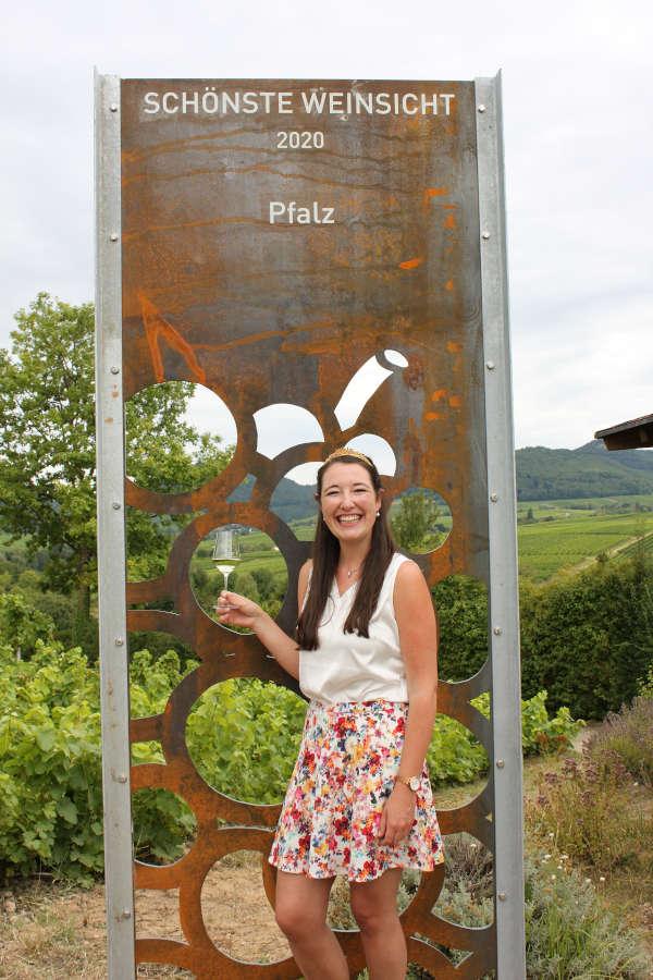 Weinkönigin Anna-Maria-Löffler (Foto: Pfalzwein e.V.)
