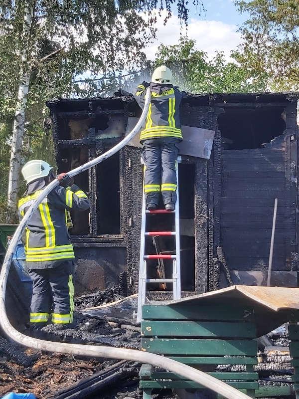 Löscharbeiten (Foto: Feuerwehr Haßloch)