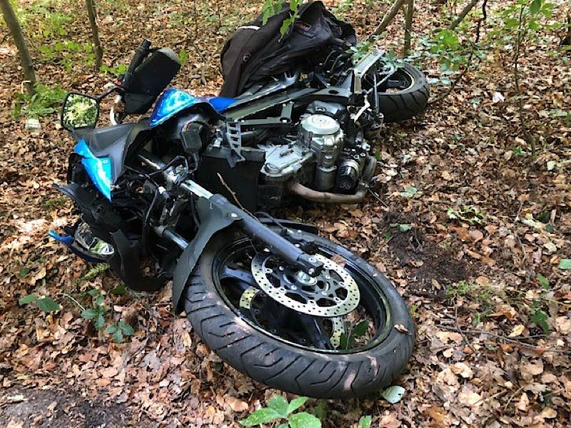 Verunfalltes Motorrad (Foto: Polizei RLP)