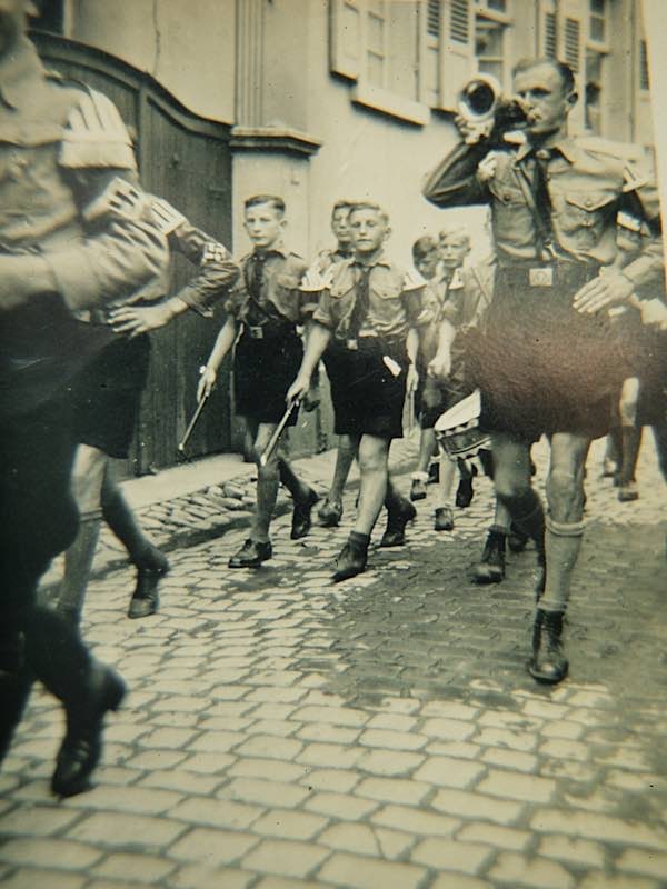 Königsbacher Spielmannszug der Hitlerjugend in Gimmeldingen, 1936 (Foto: Privatsammlung Hubert Eckel)