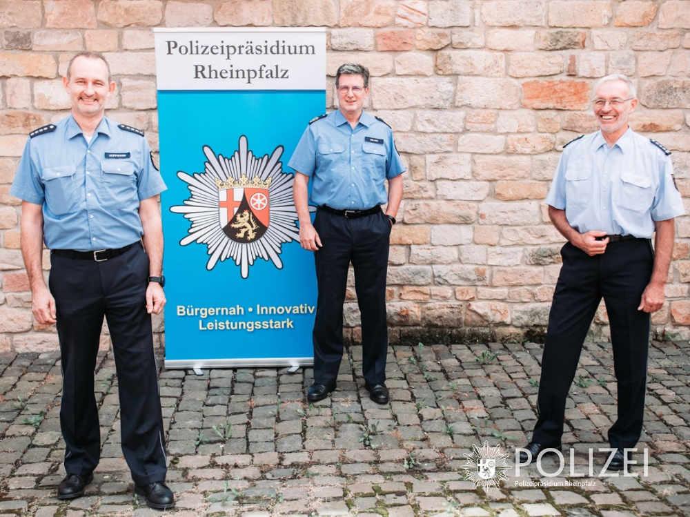 Polizeihauptkommissar Frank Hoffmann, Polizeipräsident Thomas Ebling und Erster Polizeihauptkommissar Wolfgang Brunke (v.l.n.r.) (Foro: Polizei RLP)