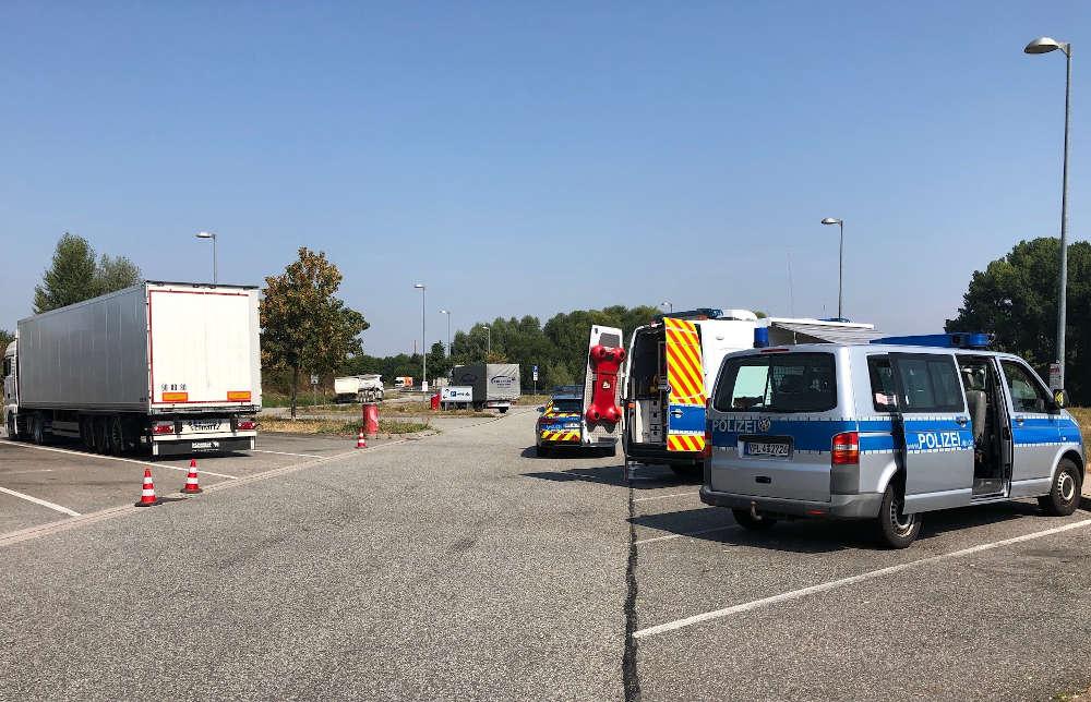 Schwerverkehrskontrolle (Foto: Polizei RLP)