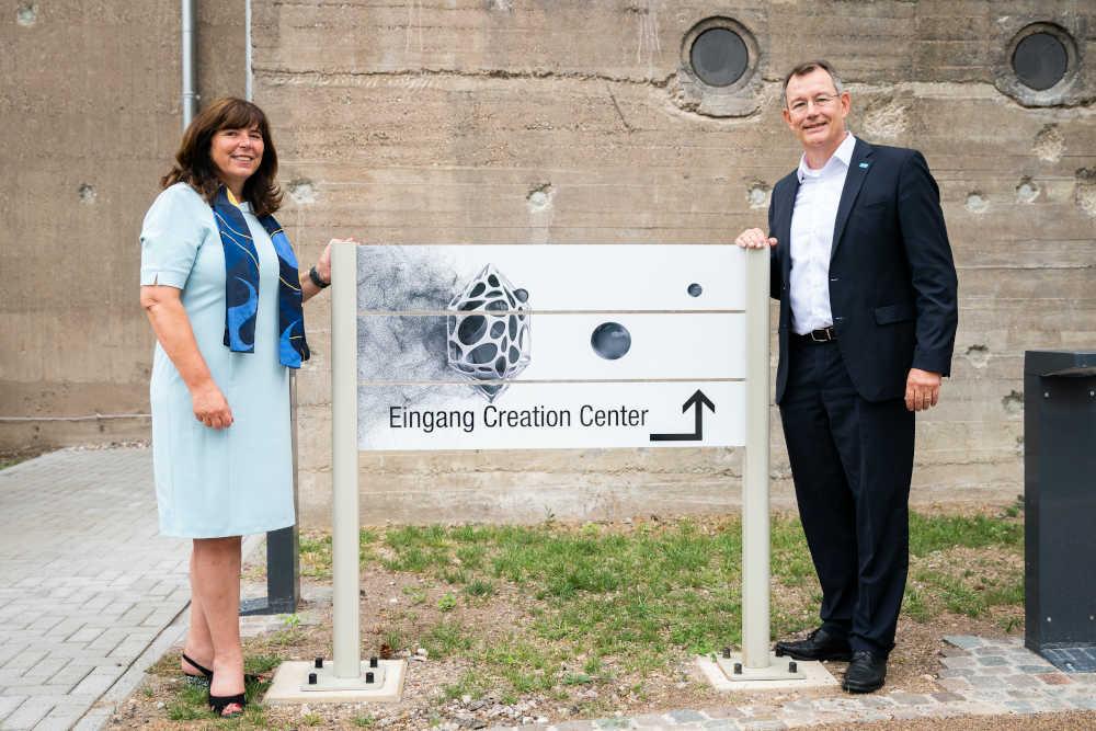 Oberbürgermeisterin Jutta Steinruck und BASF-Vorstand Michael Heinz eröffneten am 20. August 2020 das BASF Creation Center. (Foto: BASF)