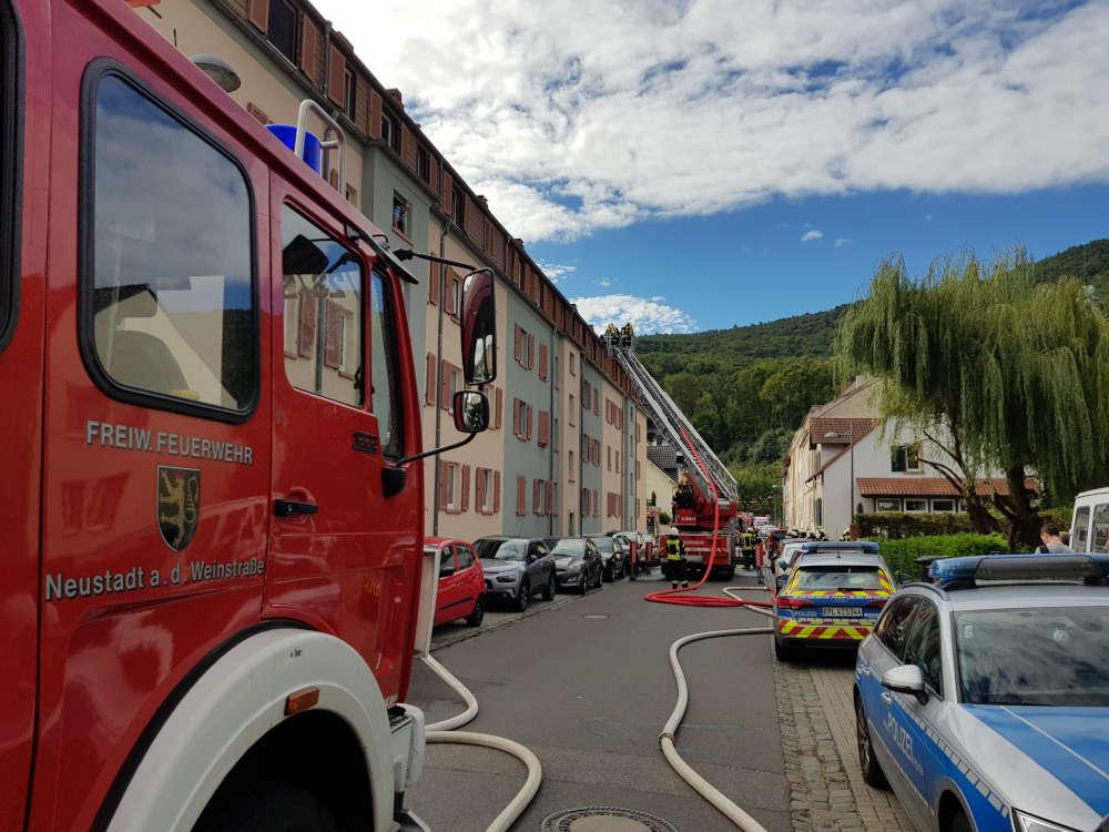 Die Einsatzstelle in der Rotkreuzstraße (Foto: Feuerwehr Neustadt)