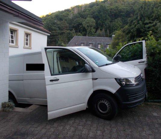 Unfall mit hohem Sachschaden (Foto: Polizei RLP)