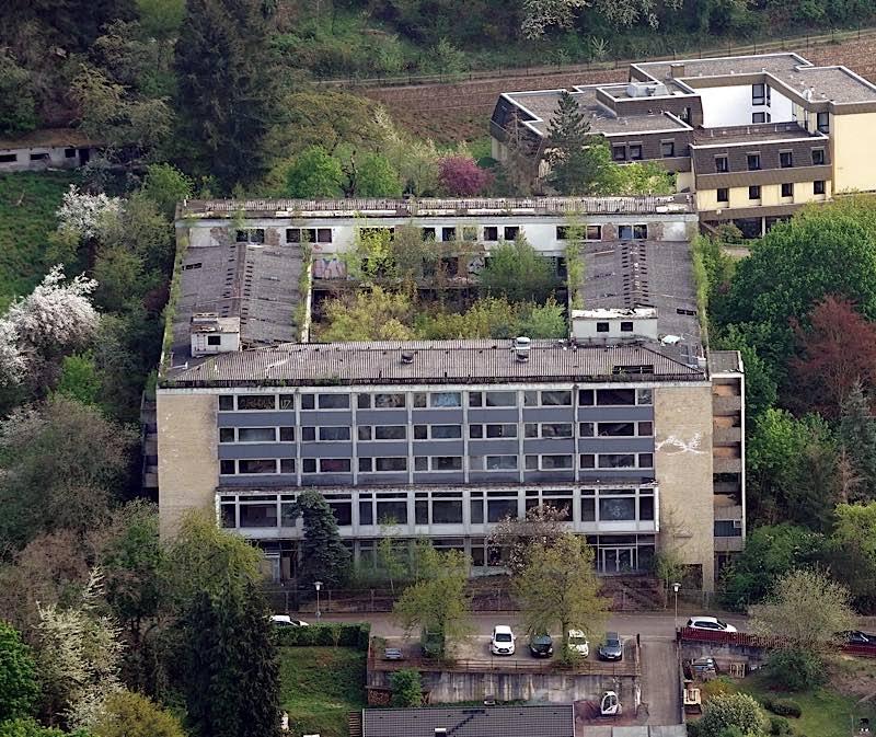 Das ehemalige Altenheim in Lambrecht ist heute eine Ruine (Foto: Holger Knecht)
