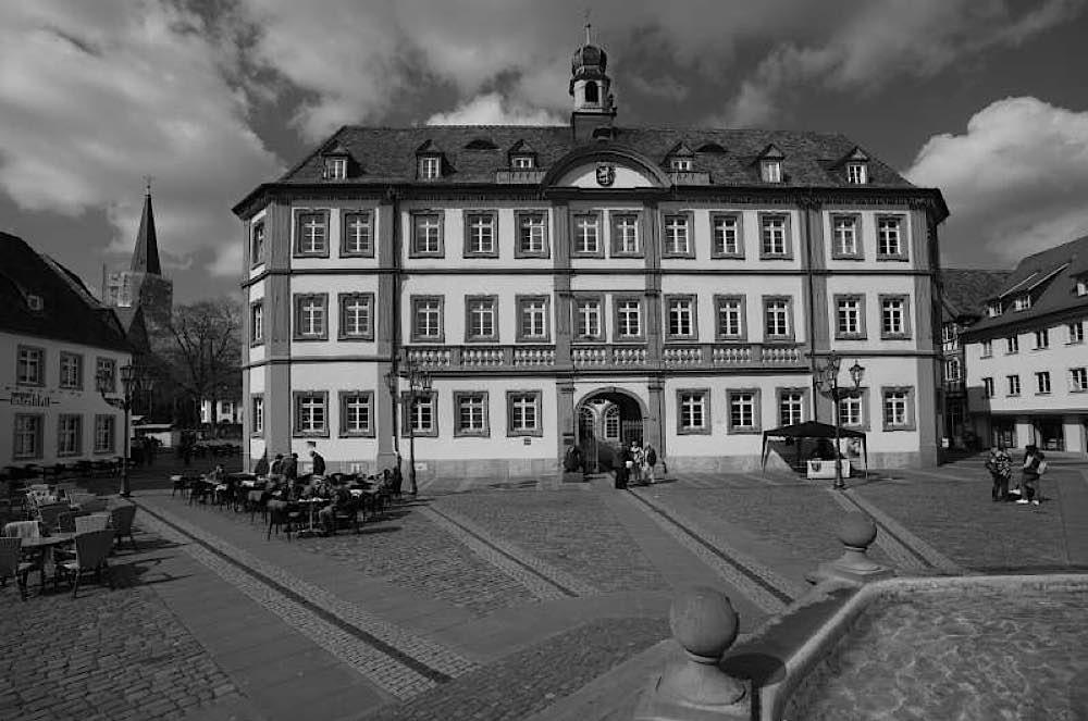 Stadt Neustadt Trauer (Foto: Holger Knecht)