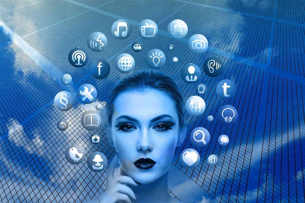 Symbolbild Soziale Netzwerke (Foto: Pixabay/Gerd Altmann)